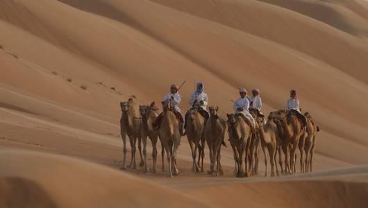 แกลอรีภาพ ท่องแดนอาระเบีย ตอน ผืนทราย สายลมและหมู่ดาว